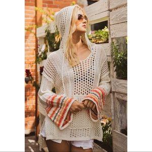 Pismo - Lightweight hoodie sweater. Ivory.